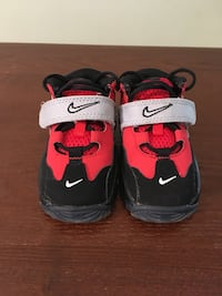 Pair of black-and-red nike basketball shoes Manassas Park, 20111