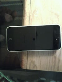IPhone 5C Pearl w/ charger Kitchener, N2H