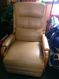 BEAUTIFUL TAN RECLINER $100 Knoxville, 37909