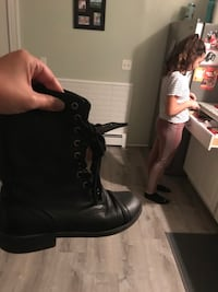Size 8 woman boots  Fall River, 02720