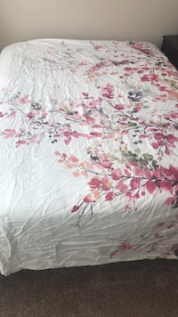 WNWOT white and pink floral duvet cover and pillow cases  Ellicott City, 21042