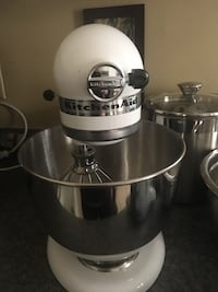 Kitchen aid 5qt stand mixer Knoxville, 37917