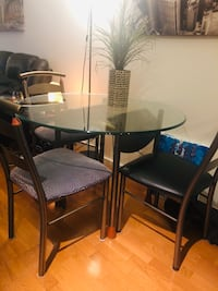 Dining Table + 3 Chairs $40 or better offer Toronto, M5J 2Y2