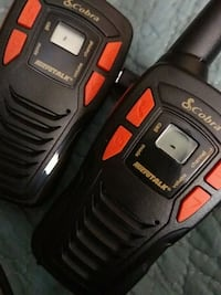 Cobra two way radios with headset Conneaut, 44030
