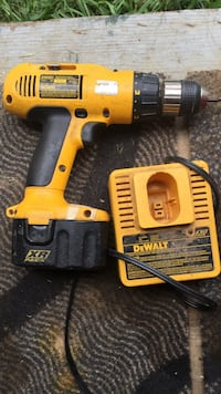 Dewalt drill and charger. Indian Head, 20640