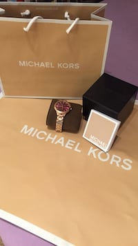 Rose gold Michael Kors analog watch all inclusive hardly used  Oakville, L6K 3E6
