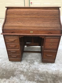 Role up old style desk WILL DELIVER