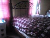 Solid wood queen sized bed Savannah, 31404