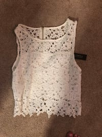 Never been worn lace top  Pickering, L1V 7H5