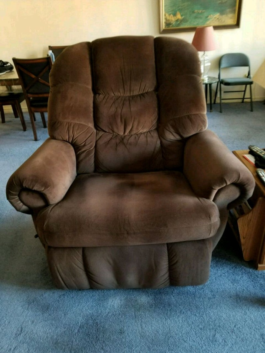 used brown suede recliner sofa chair for sale in staten island letgo rh gb letgo com