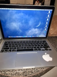 MacBook Pro 13-inch 8gb- pick up in alexandria, virgina Alexandria, 22304