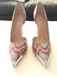 Guess snake multicoloured pumps, size 9 Toronto, M4V 1Z6