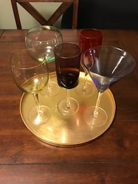 5 wine/cocktail glasses with tray