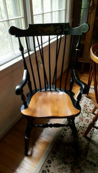 Ethan Allen arm chair.