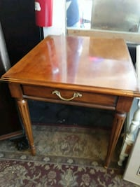 Solid wooden End Table Odenton, 21113
