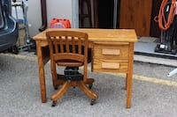 Solid Oak Antique Children's Desk and Chair Mississauga, L5N 3B8