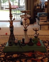 Three hookahs and accessories Bristow, 20136