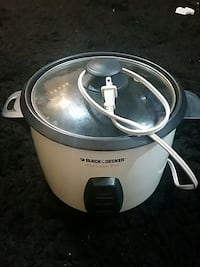 white Black and Decker rice cooker plus  Toronto, M6H 3P2