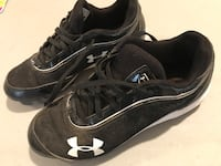 Boys baseball cleats size 3-5y San Juan, 78589