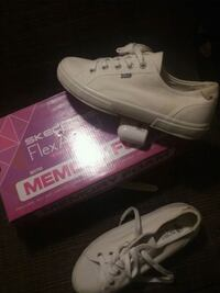 Never wore sketchers size 8 Indianapolis, 46219