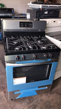 """New scratch and dent Frigidaire 30"""" gas stove 6 months warranty Catonsville, 21228"""