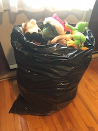 Full bag of plush toy Russ, Ganz, etc all like new. Some still have tags Montréal, H1S 2K5