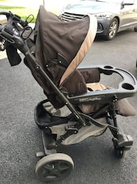 Uno Peg perego mocka stroller in very good condition Repentigny, J5Y