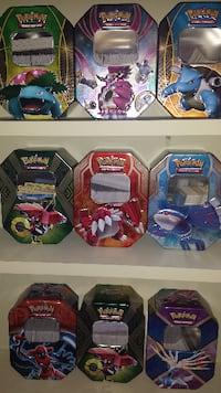 THOUSANDS OF POKEMON CARDS null