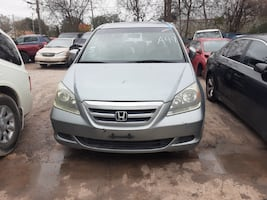 2005 Honda Odyssey SUV Silver (FOR PARTS ONLY)