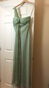 women's green sleeveless dress Richmond, V7C 1W5