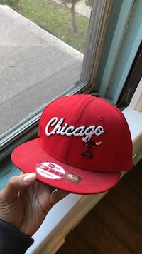 red Chicago Bulls fitted cap
