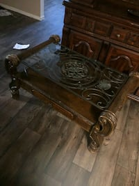 antique style coffee table  North Las Vegas, 89030