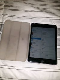 Apple ipad mini 5th gen w/charger and case. Pick up or drop off