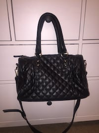 black leather 2-way handbag New York, 10473