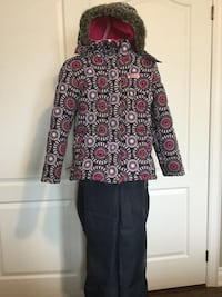 Snow suit girls size 10 Vaughan, L4H 0Y3