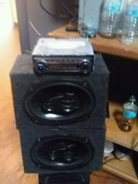 two black subwoofers with enclosure Barneveld, 13304