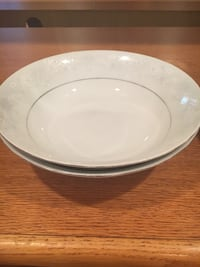 White China bowls. Perfect condition. Pick up in Chantilly. Cash only.  Chantilly, 20151