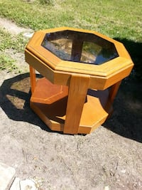 table 22 inch tall. 27 inch wide Orland