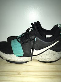 Teal pg1 pretty good condition and will wash them Windsor, N8S 4N9
