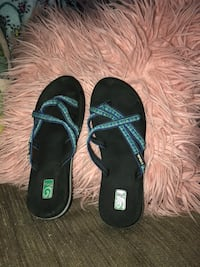 pair of black-and-green flip flops Bozeman, 59715