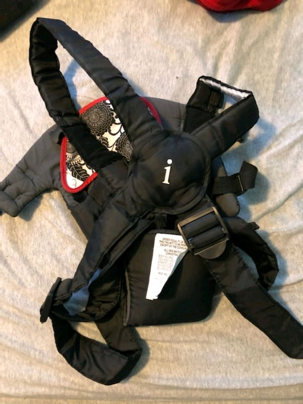 Infantino baby carrier 781d2743-7146-4a6e-a8f0-eb2719ddb87c