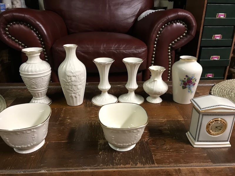 Lennox china vases and misc. pieces 2ca6f686-9b7e-4235-9083-09b6cb4f0758