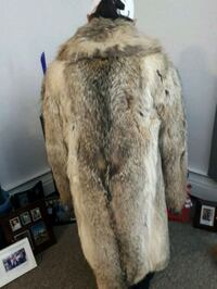 brown and white fur coat 3160 km
