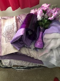 Queen size bedding set with accessories Stratford, 06615