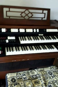 black and white electronic keyboard Alexandria, 22304
