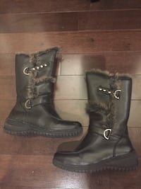 Girls winter leather boots with fur trim size 1 Mississauga, L5K 1H5