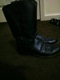 pair of black leather boots 1635 mi