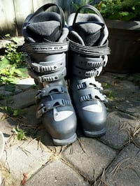 Womans size 9 downhill ski boots Hanover, N4N 1R2