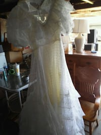 Size12 wedding dress the only thing is it needs to Nipomo, 93444