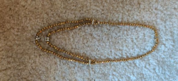 Crystal neck set two line neckless...... Crystal balls and gold balls. cf78cd0f-20ac-4ba8-95f0-87d8a719419b